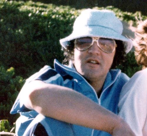 Resultado de imagem para elvis hawaii 1977
