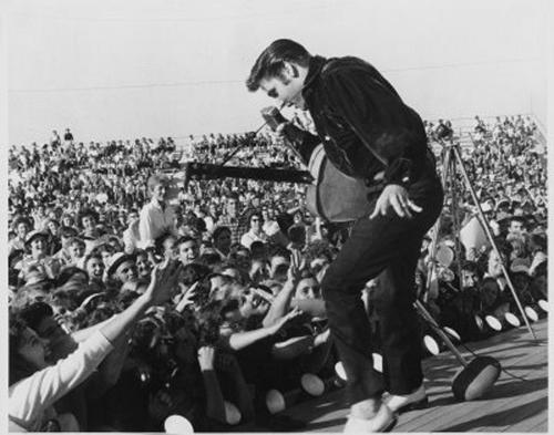 "ELVIS PRESLEY on TELEVISION 1968 Photo NBC COMEBACK SPECIAL /""PUBLICITY POSE/"" 02"