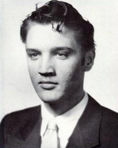Elvis végzősként