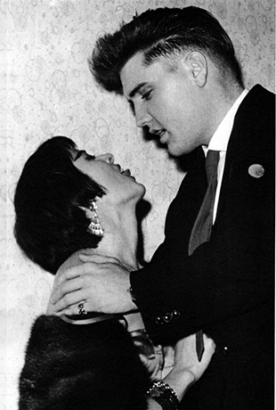 Rare ELVIS Photographs- Elvis Kisses - EIN Spotlight